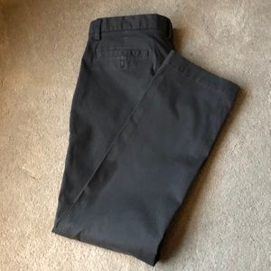 NWOT Banana Republic Emerson Chino - Size 33x32